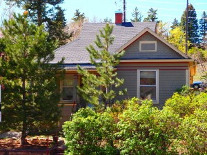 2473 20th #1: stand alone house